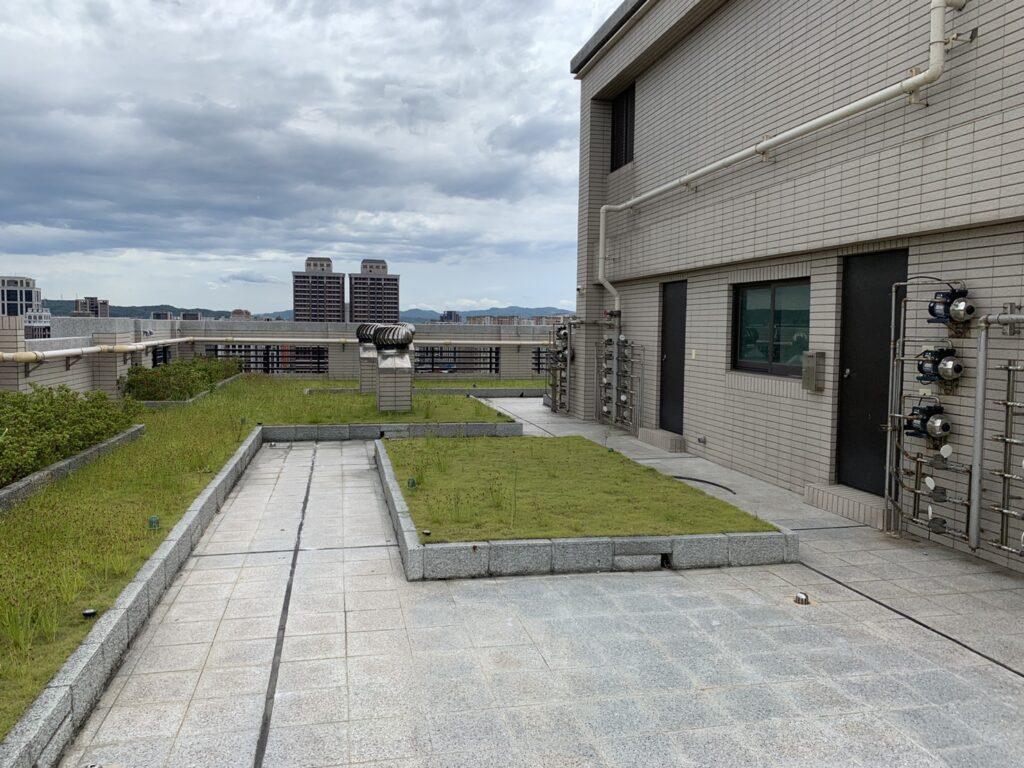 到公寓頂樓透氣看風景,會成立侵入住宅罪嗎? 2